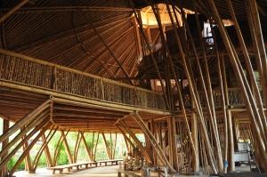 A Green School na Indonésia, construida inteiramente em bambu